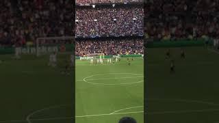 Gol de Messi de tiro libre en la victoria del FC. Barcelona ante el PSV
