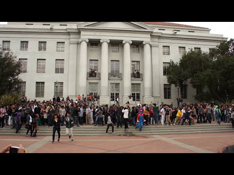 UC Berkeley Gangnam Style Flash Mob [Unofficial]