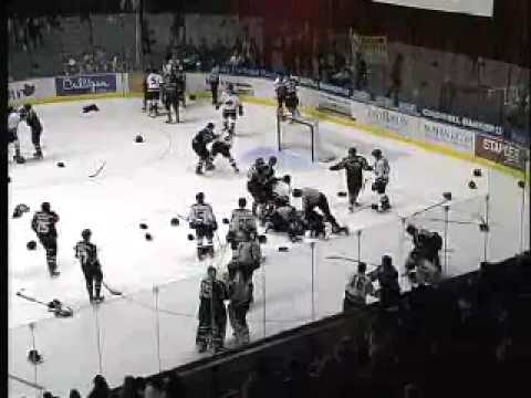 Lethbridge Hurricanes vs Vancouver Giants 2003-2004