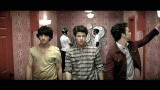 Watch Jonas Brothers Paranoid video