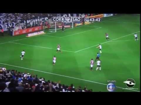 Corinthians 3x2 São Paulo - Linda jogada do Guerrero  e Luciano quase marca.