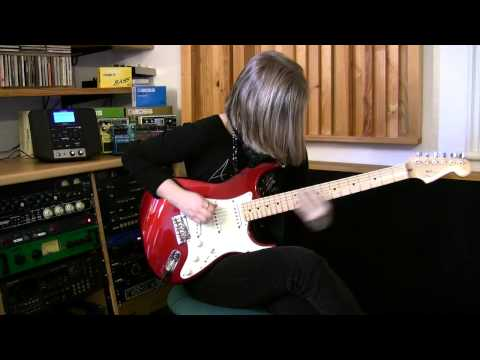 Jess Lewis - Wonderful Slippery Thing 'Live in the Studio' (Guthrie Govan)
