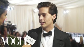 Download Lagu Cole Sprouse on Interning at the Met and His Artistic Aspirations | Met Gala 2018 With Liza Koshy Gratis STAFABAND