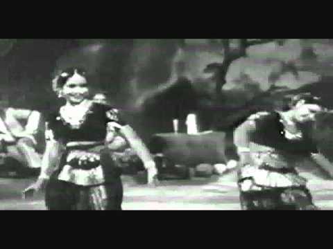 aplam chaplam-Wonder of two sisters-lata-usha mangeshkar & sayee...