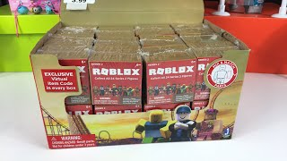 Opening Complete Box of Roblox series 2 blind figures