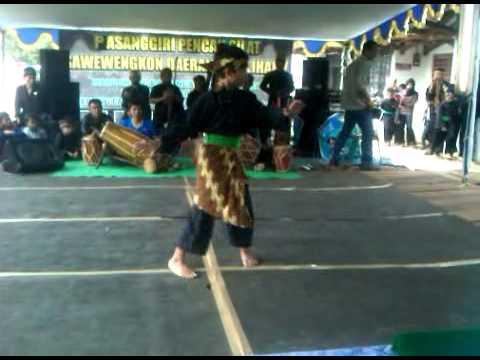 Pencak Silat Sunda -  Kujang Pusaka Bandung (erwan Gumelar) video