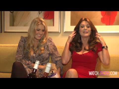 LISA VANDERPUMP DEBUTS