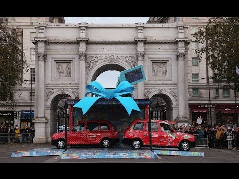 Cath Kidston 180 Piccadilly London flagship opens – free taxi cabs