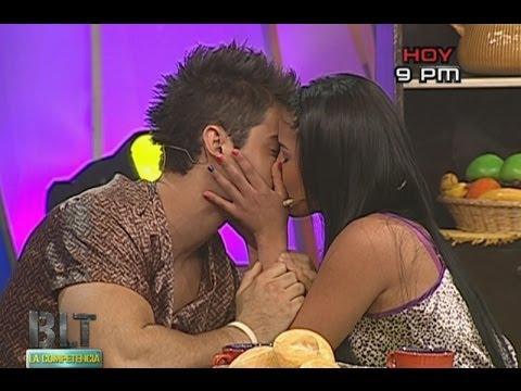 Katty García besó a enamorado de Andrea San Martín