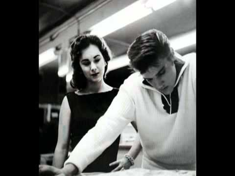 Elvis Presley - Youre A Heartbreaker