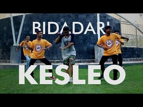 Download Lagu BIDADARI KESLEO #COVER [NGAPLO]  - SAMBOYO PUTRO MP3 Free