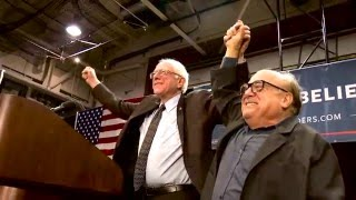 Danny Devito Meets and Introduces Bernie in St. Louis