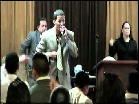 Evang Miguel Canales cantando coritos 11th Anniv, MMM Panama City, FL (Sabado)