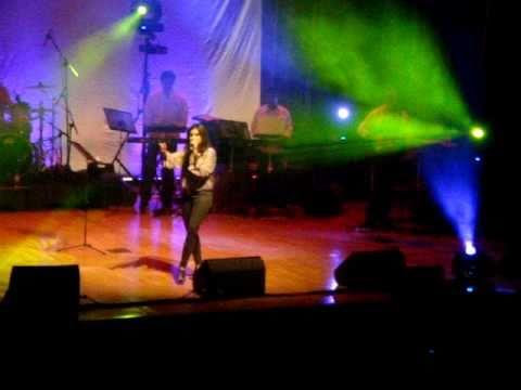 Shreya Ghoshal Live - Tujh Mein Rab Dikhta Hai - Rab Ne Bana Di Jodi & Teri Ore In London 2010