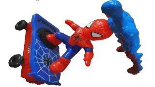 Siêu nhân đánh bại xe tăng giúp đỡ người nhện    Đồ chơi cho trẻ em -  Kids play