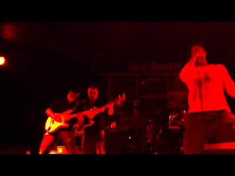 FOLLOW THE MAD – ELEFANTE live @ walla walla 09 – 08 – 2011