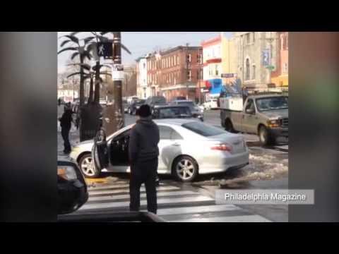 VIDEO: Lalaking naaksidente, pinagpatuloy ang pag-masturbate sa kalsada!