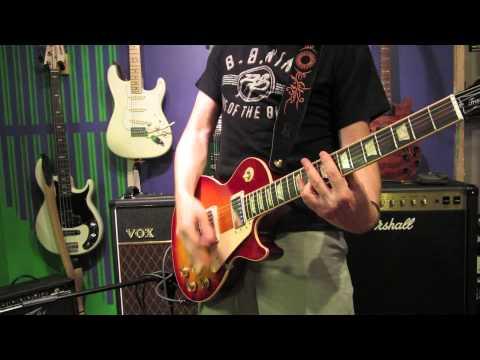 GUITAR TONE - GIBSON LES PAUL vs FENDER STRATOCASTER - AQUA LUNG