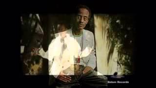 Comedian Abiy  Jammy  Melaku pranks Ethiopian singer Jossy10924