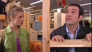 Un gars une fille - dans un magasin de meubles