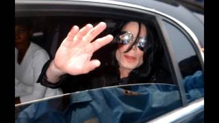 King of Pop Michael Jakcson in the car