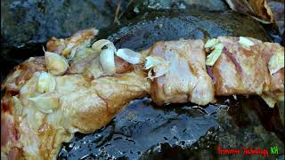 Primitive Technology - Eating delicious - Cooking pork belly in bamboo