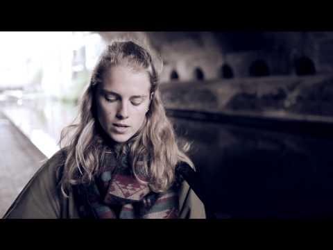 itchy teeth - Marika Hackman