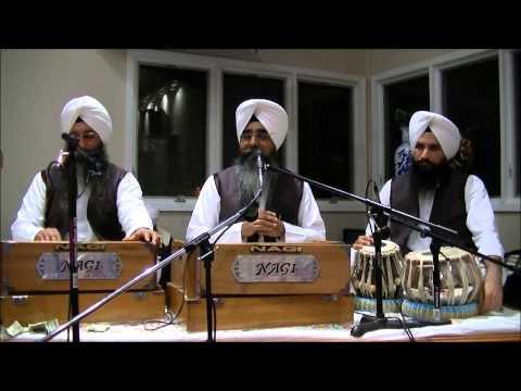 Shabad Kirtan By Bhai Davinder Singh Ji Sodhi - Wheaton Gurdwara - Jan 18 2014 video