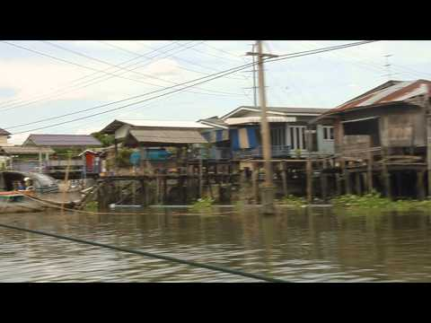 Longboat ride through northwest khlongs of Bangkok