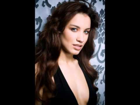 10 самых красивых певиц России
