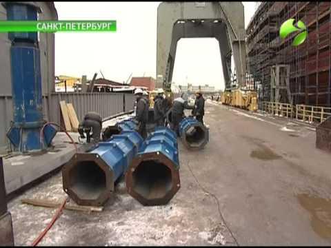 «Арктику» строят в три смены. Скоро уникальный атомный ледокол обещают спустить на воду