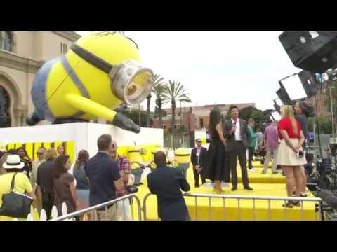 Minions World Premiere Yellow Carpet - Sandra Bullock, Jon Hamm, Allison Janney & Minions