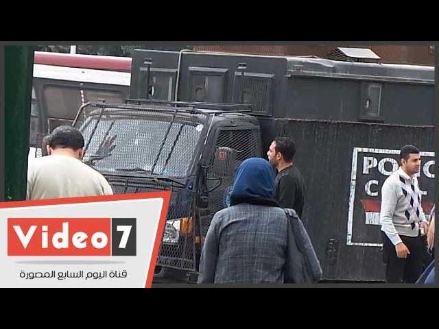 تعزيزات أمنية أمام جامعة القاهرة تحسباً لتظاهرات الإخوان