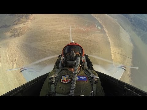 Gerard Butler Flies with the Thunderbirds