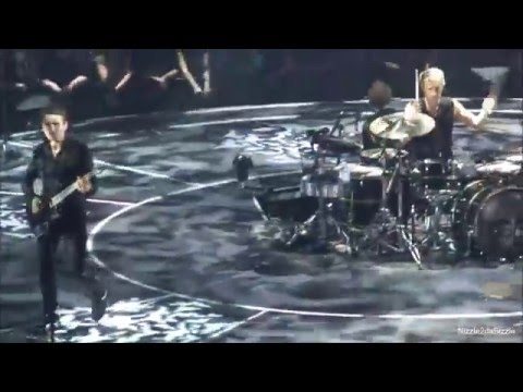 Muse - Reapers live [HD] 10 3 2016 Ziggo Dome Amsterdam Netherlands