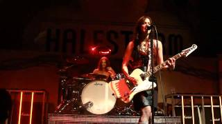 Halestorm - Bet You Wish You Had Me Back / All I Want To Do Is Make Love To You