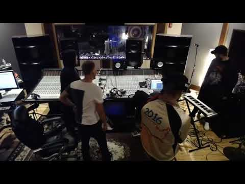 Avicii-Lord Ft Sandro Carvazza live