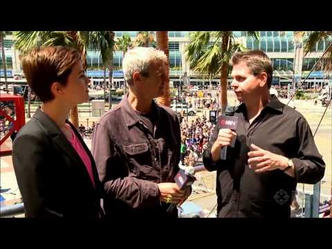 Divergent: Veronica Roth And Neil Burger Interview - Comic-Con 2013