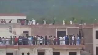 Download Baloch and sindhi fighting in quaid e azum university 3Gp Mp4