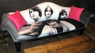 Watch Kinks Sitting On My Sofa video