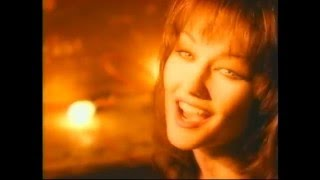 Watch Lari White Thats How You Know when Youre In Love video