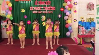 A01 nhảy chicken dance
