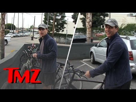'Scandal' Star Tony Goldwyn Makes Anything Look Good