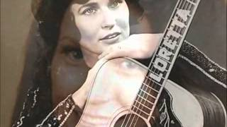 Loretta Lynn - You`re Lookin At Country