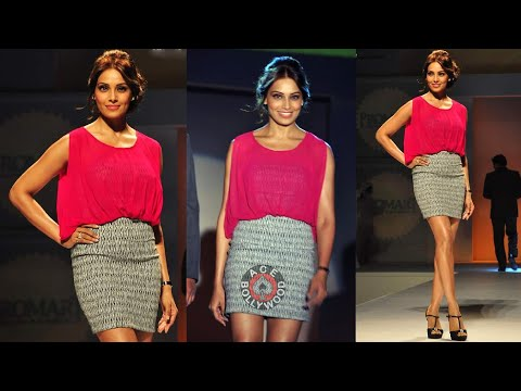 Bipasha Basu in Mini Skirt sexy Legs