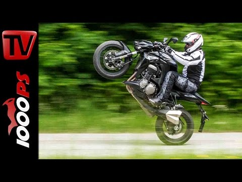 Kawasaki Z1000 Stunts | StuntFriday Action