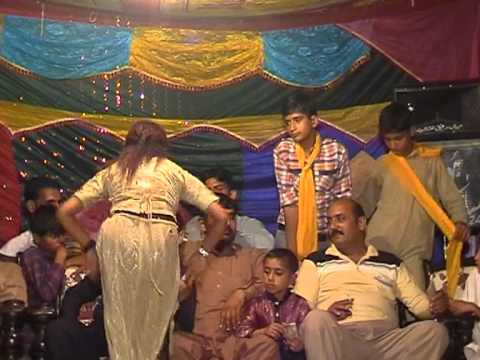 Mujra Dance In Pakistani Punjabi Wedding 2012 New Part 2 video