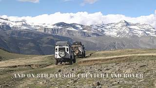 LAND ROVERS ON A BEAUTIFUL TRIP