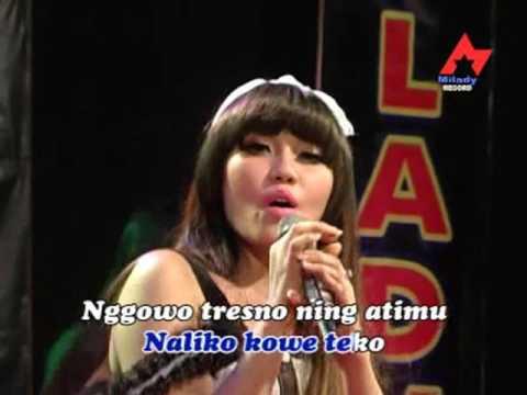 Via Vallen - Akhire Cidro (Official Music Video)
