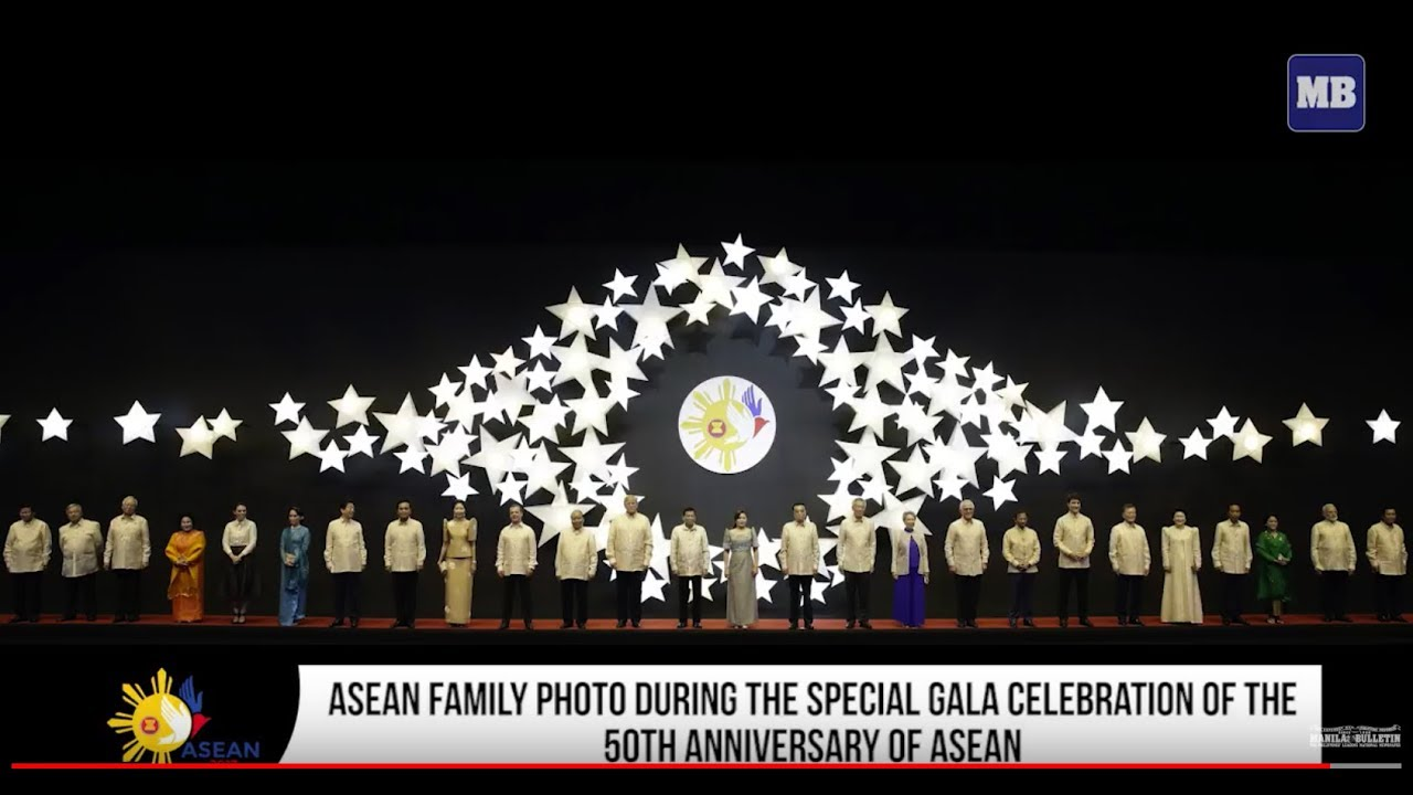 ASEAN Family photo during the Special Gala Celebration of the 50th Anniversary of ASEAN